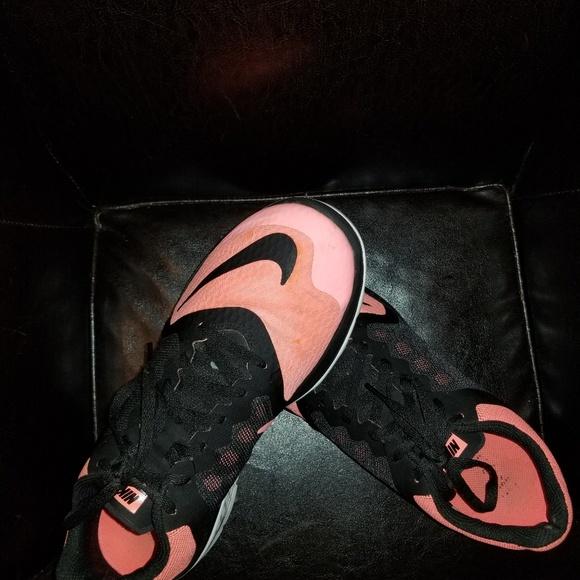 Nike Shoes - Womens nikes